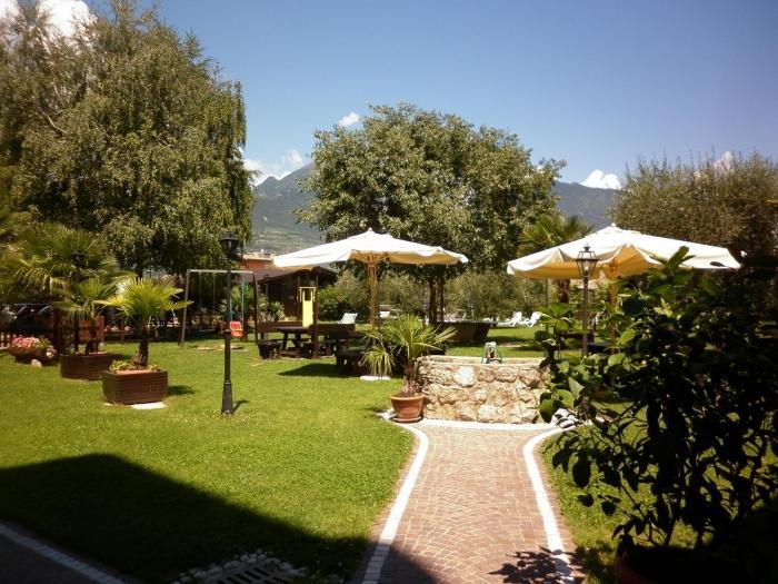 hotelbelsit-comanoterme-giardino-gazebi-2,15969.jpg?WebbinsCacheCounter=1