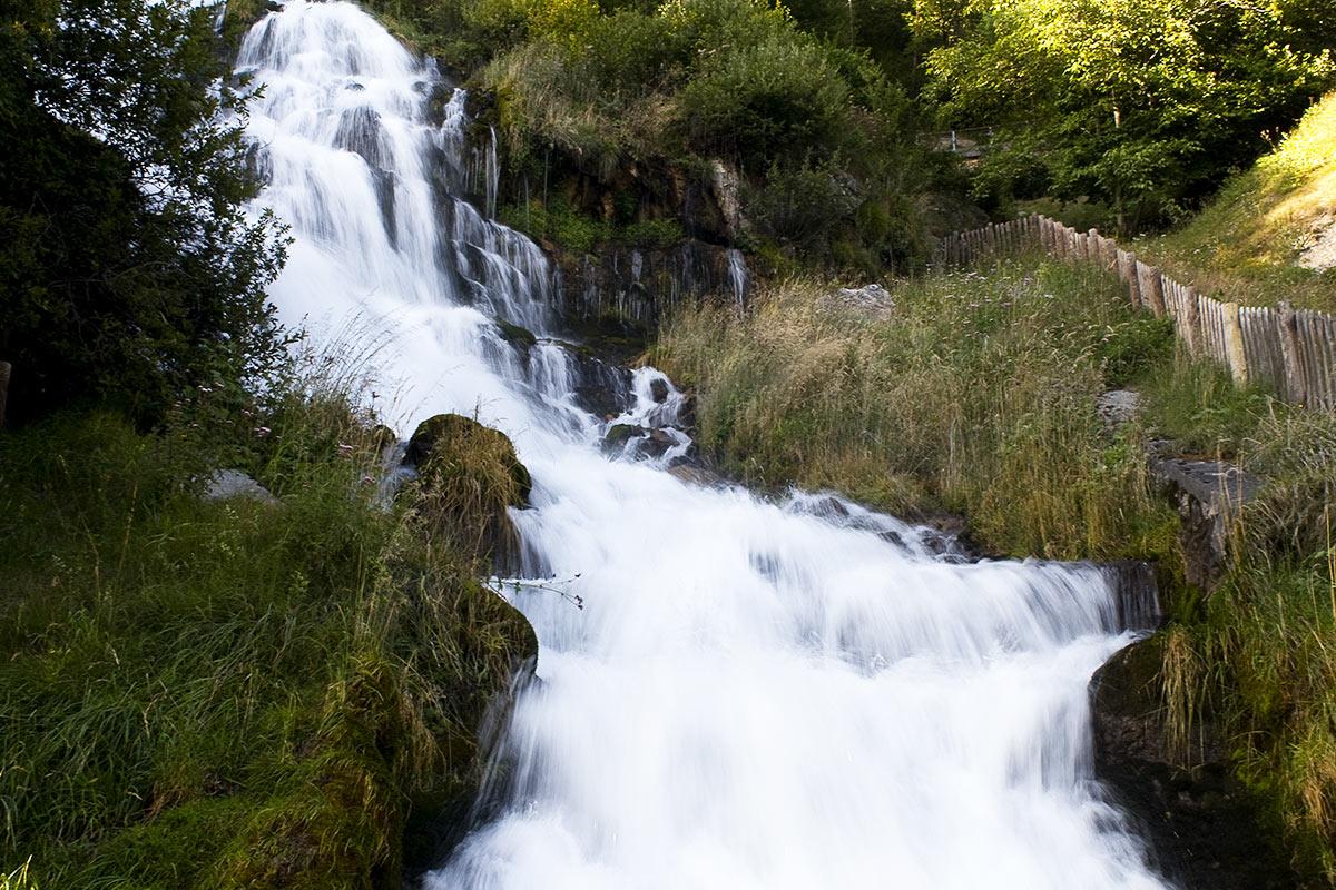 cascata-rio-bianco-stenico-parco-naturale-adamello-brenta.jpg